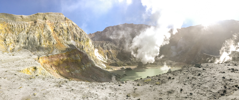 Best volcanic experience in NZ_White Island's crater