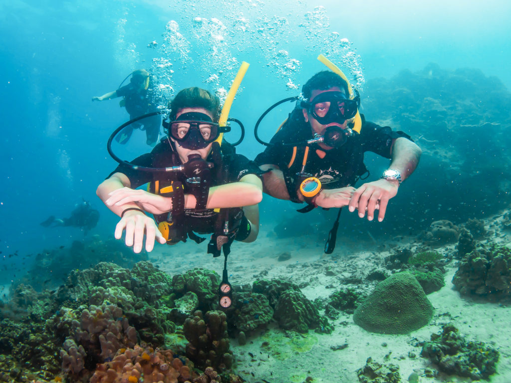 How to get a diving certificate