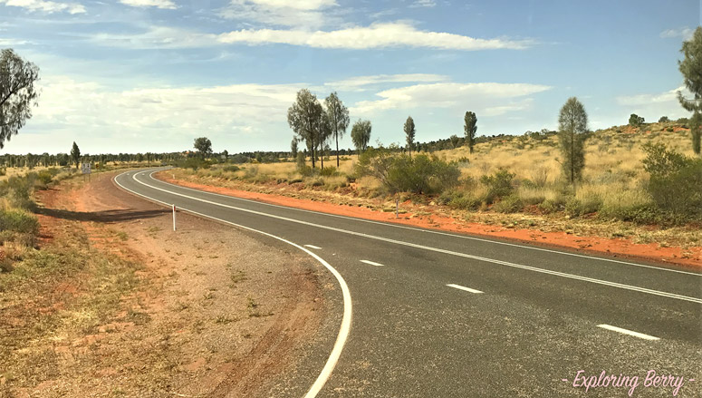 Uluru-road-exploringberry